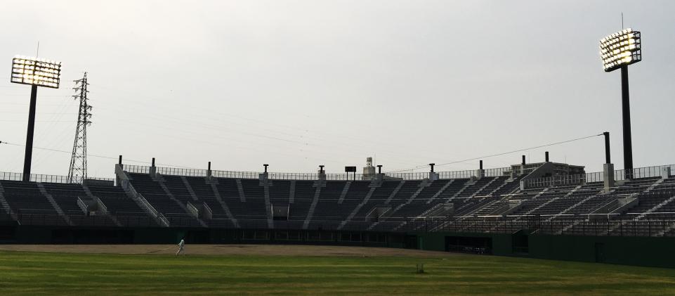 川口運動公園野球場観覧席改築電気設備工事